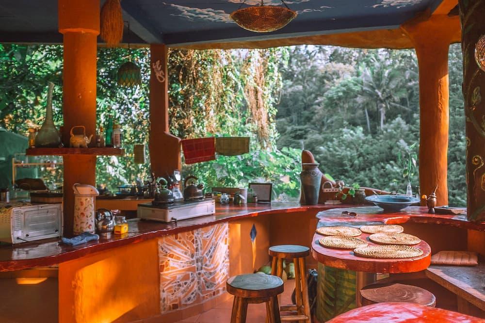 Outdoor Kitchen in Thailand